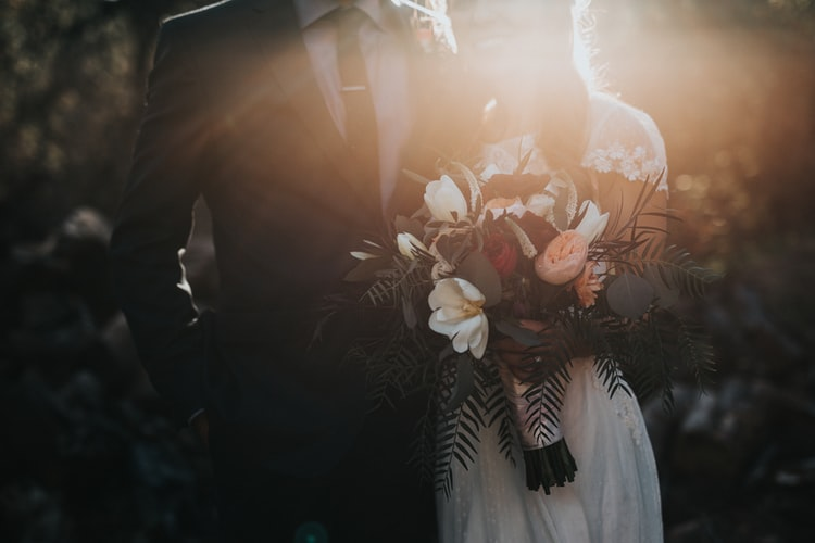 Guide on Choosing The Right Wedding Celebrant For You